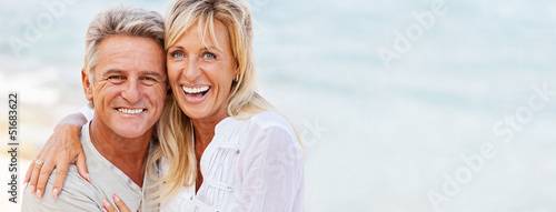 Obraz Portrait of a happy romantic couple outdoors. - fototapety do salonu