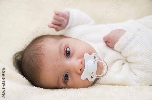Fotografie, Obraz  Bebé con chupete