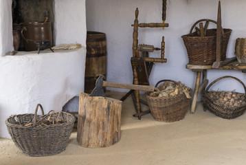 wnętrze starej chaty