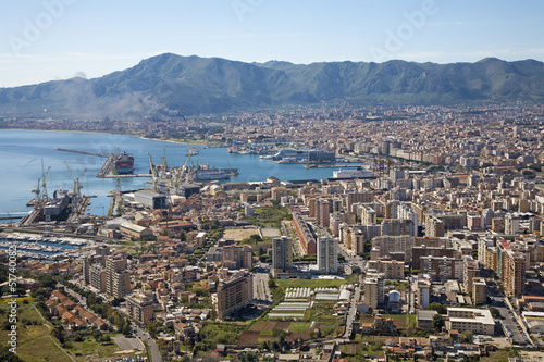In de dag Palermo Palermo - outlook over city and harbor form Mount Pelegrino