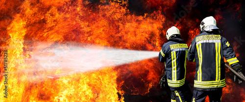 Fotobehang Vuur Feuerwehr in Aktion