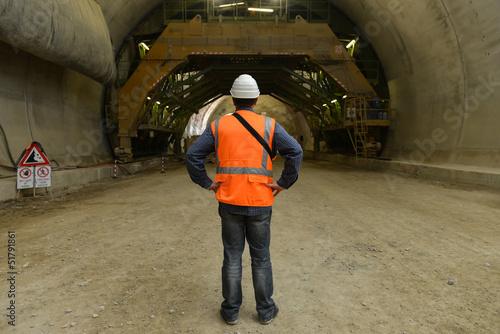 Papiers peints Tunnel Operaio in galleria