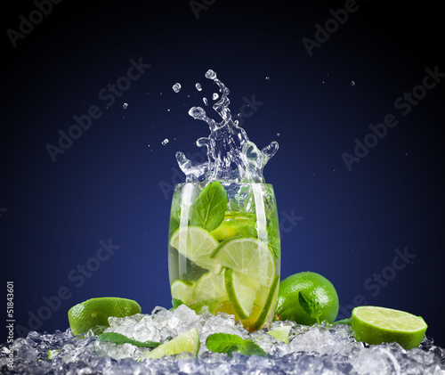 Poster Splashing water Mojito drink with splash