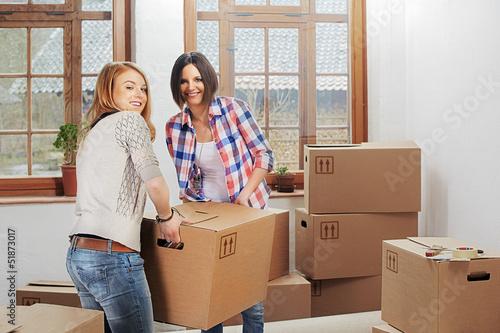 Fotografía  two girls moving