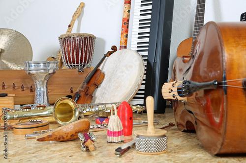 fototapeta na ścianę Viele Musikinstrumente