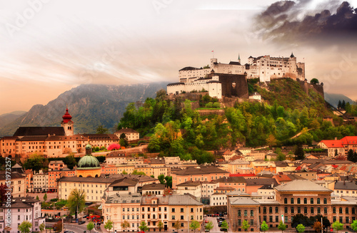 Foto op Canvas India Salzburg city on sunset with castle view, Austria