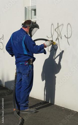 Foto op Aluminium Graffiti nettoyage de graffitis