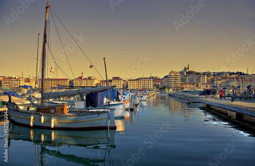 Staande foto Stad aan het water vieux port de marseille
