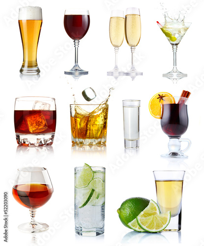 Staande foto Bar Set of alcohol drinks in glasses isolated on white