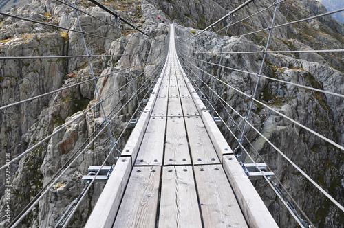 trift-bridge-szwajcaria