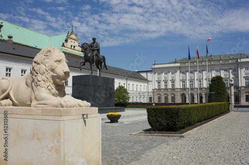 palac-prezydenta-rp-i-pomnik-jozefa-poniatowskiego-w-w
