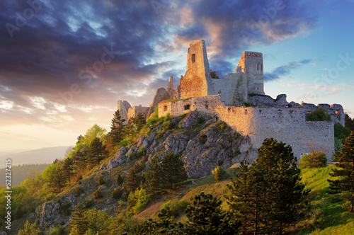 Foto op Canvas Rudnes Ruin of castle Cachtice - Slovakia