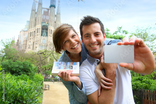 Papiers peints Barcelona Couple with visitor pass in Barcelona