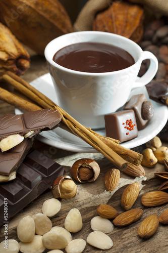 Fototapeta premium Martwa natura z kubkiem czekolady