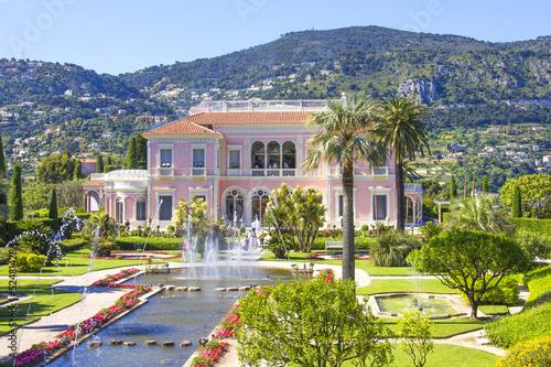 Fotografiet  Garden in Villa Ephrussi de Rothschild, Saint-Jean-Cap-Ferrat