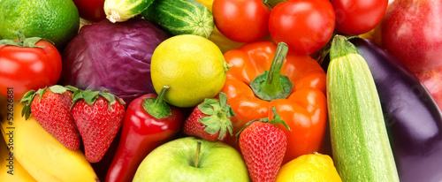 jasne-tlo-roznych-owocow-i-warzyw