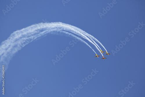 Photo airplane smoke sensation