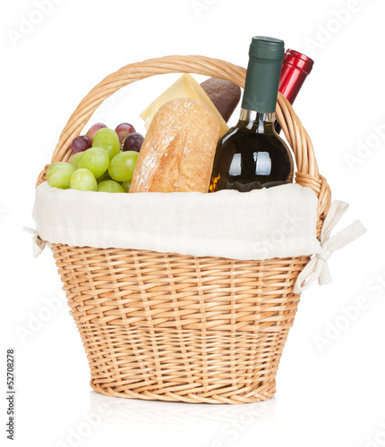Türaufkleber Picknick Picnic basket with bread, cheese, grape and wine bottles
