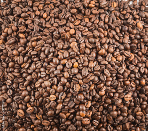 Deurstickers Koffiebonen Coffee bean surface as a background