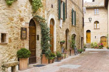 Fototapeta lovely tuscan street, Pienza, Italy