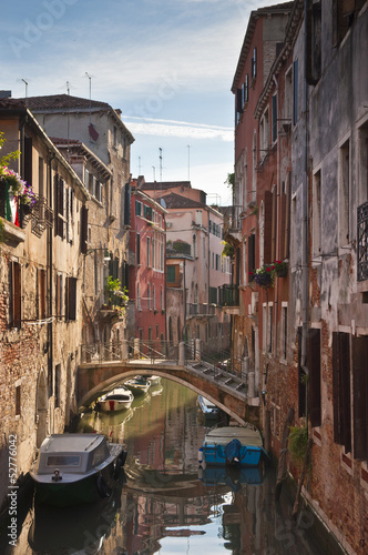 Photo sur Toile Europe Centrale Traditional 16th century villas, Venice.
