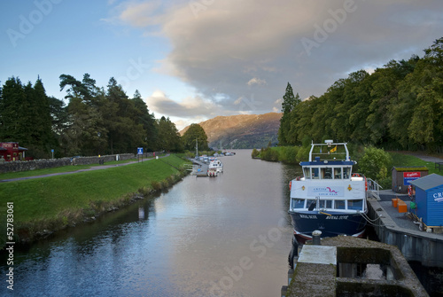 caledonian canal Tablou Canvas