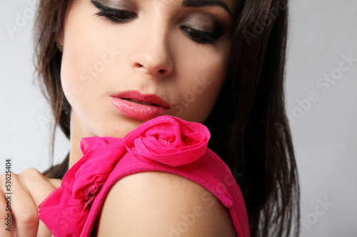 Poster Individuel Sensual girl with pink dress portrait