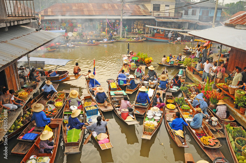 Canvas Print View of Amphawa Floating market, Thailand