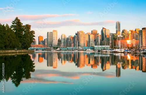 Poster Canada Vancouver skyline with Stanley Park at sunset, BC, Canada