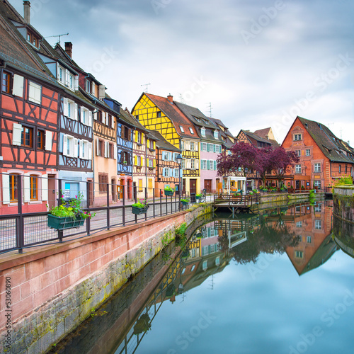 Photo Colmar, Petit Venice, water canal and houses. Alsace, France.