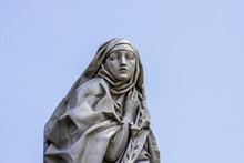 Catharina Da Siena Statue In R...