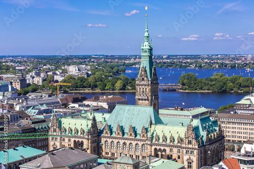 Fotografía  Blick auf das Rathaus Hamburg