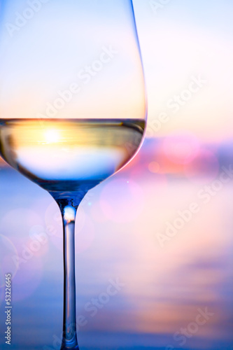 Papiers peints Vin Art white wine on the summer sea background