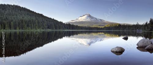 Fotografía  Mt Hood Reflection on Trillium Lake Panorama