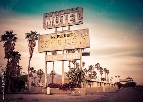 Foto auf AluDibond Route 66 Roadside motel sign - decayed iconic Southwest USA