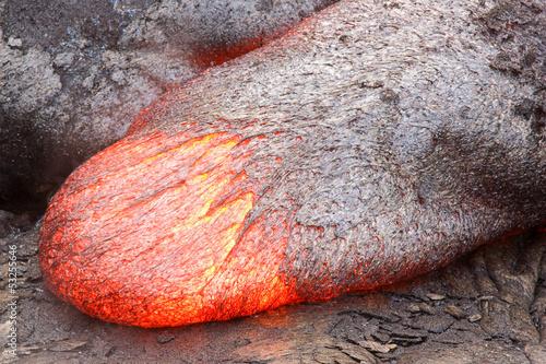 Staande foto Vulkaan Fluid lava tongue