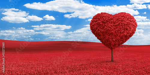 Keuken foto achterwand Rood traf. Heart shaped red tree on the red field
