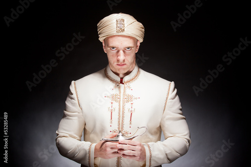 Fotografia man in oriental costume
