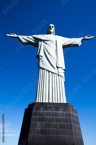 In de dag Rio de Janeiro Christ the Redeemer statue in Rio de Janeiro in Brazil