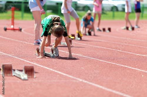 Obraz Przygotowanie do biegu, lekkoatletyka. - fototapety do salonu