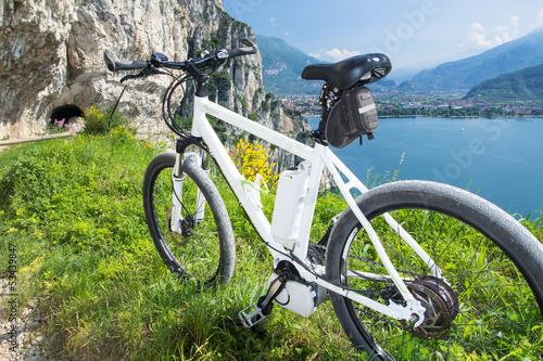 Foto-Flächenvorhang ohne Schienensystem - e-bike, pedelec, gardasee, fahrrad, mountainbike