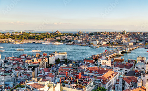 Photo  View of the Golden Horn and old areas of Istanbul at sunset