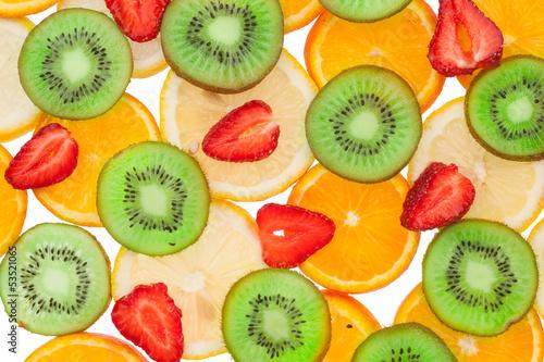 plastry-pomaranczy-cytryny-truskawki-i-kiwi