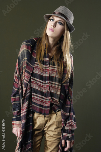In de dag Kinderkamer Portrait of fashionable girl with hat posing