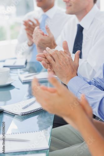 Fotografía  Business people clapping together