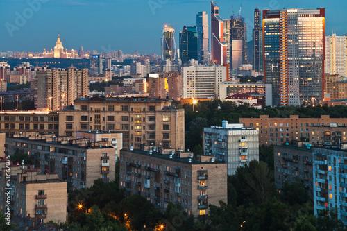 In de dag Milan panorama of city at dusk