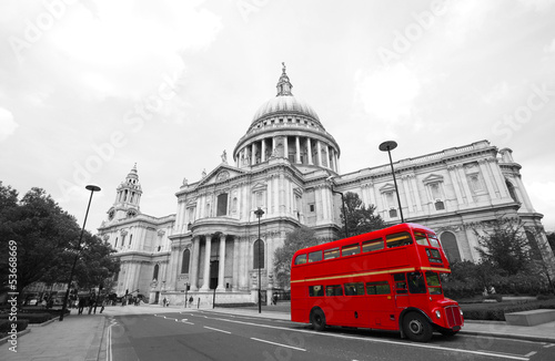 Foto auf AluDibond London roten bus London Routemaster Bus, St Paul's Cathedral