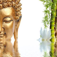 NaklejkaBouddha doré, bambou et fleur blanche de lotus
