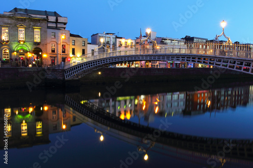 Ha'penny bridge at night in Dublin Poster