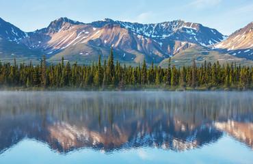Fototapeta jezioro górskie Alaska